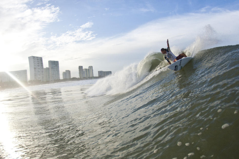 Caption: The beachbreak of Playa Revolcadero, Acapulco will once again play host to the Men's Qualifying Series (QS) for the 2016 Vans Surf Open Acapulco after a year's hiatus away from the tour.  Image: WSL
