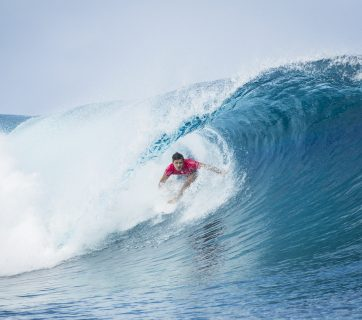 Julian Wilson (AUS) eliminated 2016 WSL Rookie Ryan Callinan (AUS) today in Round 2 Heat 4 of the Billabong Pro Tahiti. Wilson will advance to Round 3 where he will face defending event winner, Jeremy Flores (FRA), in Heat 10. Image: © WSL / Poullenot