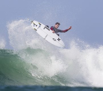 Brett Simpson at the Hurley Pro Lower Trestles 2016. Image: © WSL / Rowland