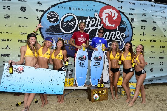 Winner of the 2016 WRV Outer Banks Pro presented by Pacifico Men's QS1,000 Kilian Garland (USA) (L) and runner-up Jordan Lawler (AUS) (R). Image: WSL/ John W. Ferguson