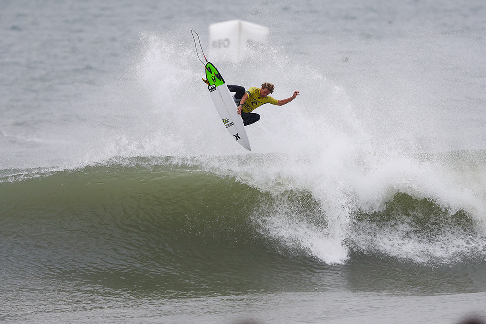 John John Florence winning the Final of the Rip Curl Pro Portugal. Photo: WSL / Poullenot