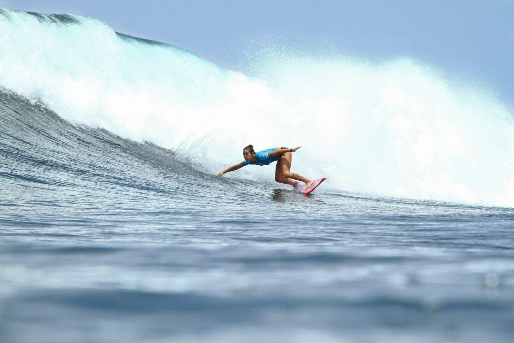 Meah Collins en route to earning her best result on the QS this season of an Equal 9th at the pristine righthand pointbreak of Punta Roca in El Salvador. Image: WSL/ Kurt Steinmetz