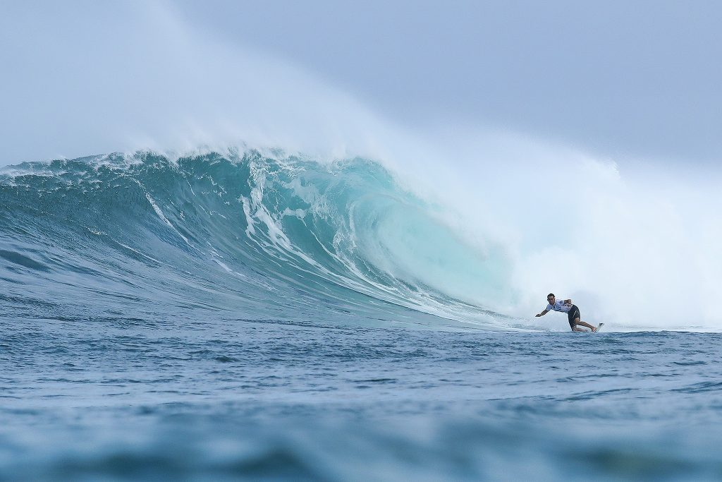 3fd35d0428 Michael Dunphy Advances in 20-Foot Waves At Vans World Cup ...